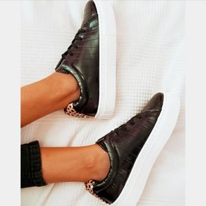 Shoes - 🆕️Leopard Sneaker collection// black lace up